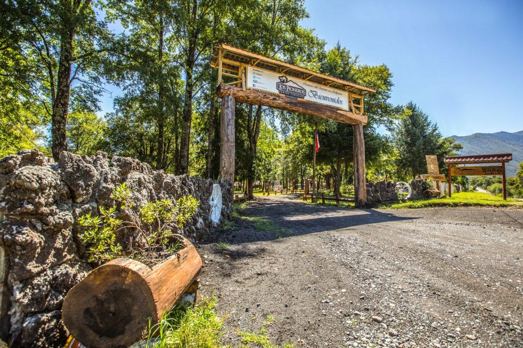 Los Pioneros Melipeuco - Hotel, cabañas, camping